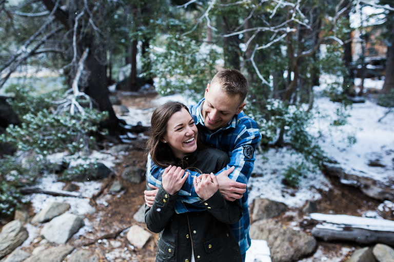 south-lake-tahoe-snow-engagement-photographs-6