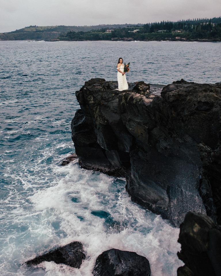 ocean cliff wedding locations hawaii