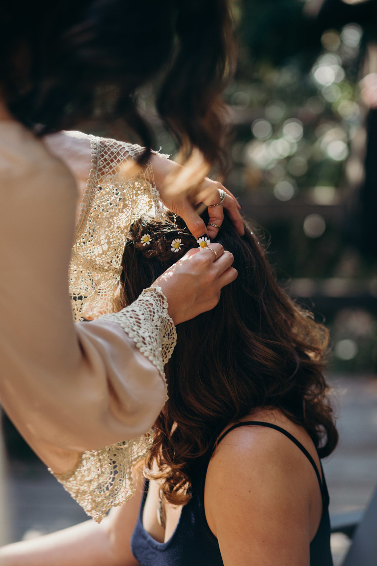 Big Sur Tiny Wedding / Getting ready at Glen Oaks
